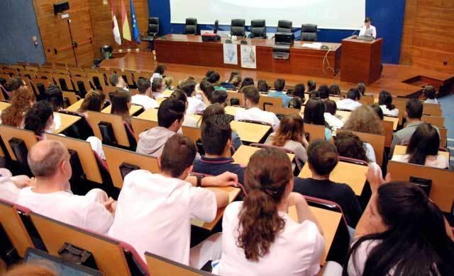 El Hospital forma a estudiantes de Enfermería en higiene de manos
