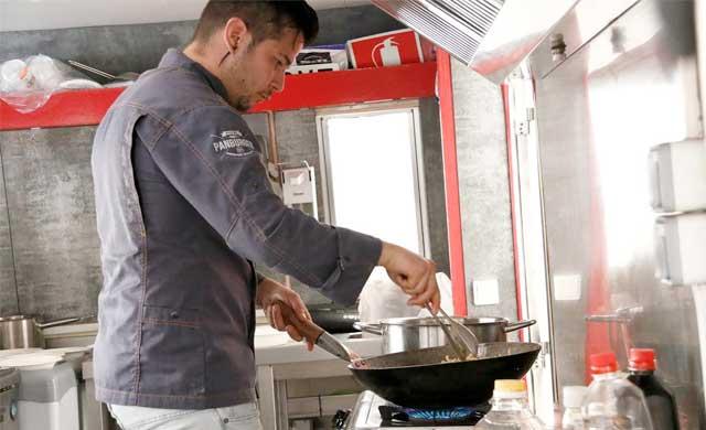 El chef Carlos Maldonado da de comer a 150 personas en Talavera
