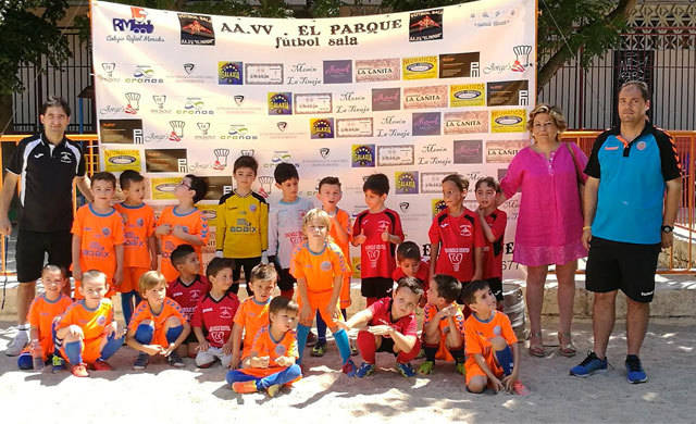 Broche de oro a la Liga Escolar de Fútbol Sala en el Rafael Morales