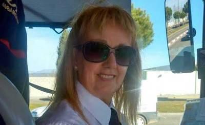 Mª Angeles García, conductora de Eborabús: 'El trabajo dignifica a las mujeres'
