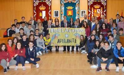 El Cristóbal Colón lleva su campaña 'elELAexiste' al Ayuntamiento