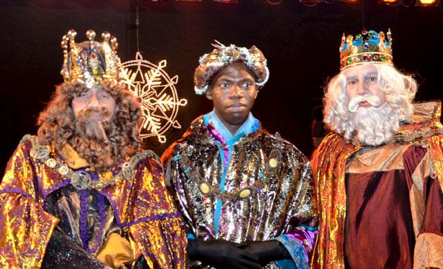 Fuegos artificiales en la cabalgata de Reyes de Toledo