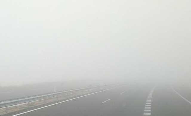 Precaución: Alerta amarilla por nieblas en carretera este martes