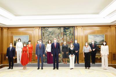 Los nuevos ministros protagonizan el relevo de carteras