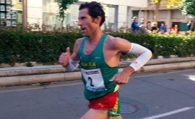 Antonio Núñez gana la media maratón de Elvas-Badajoz