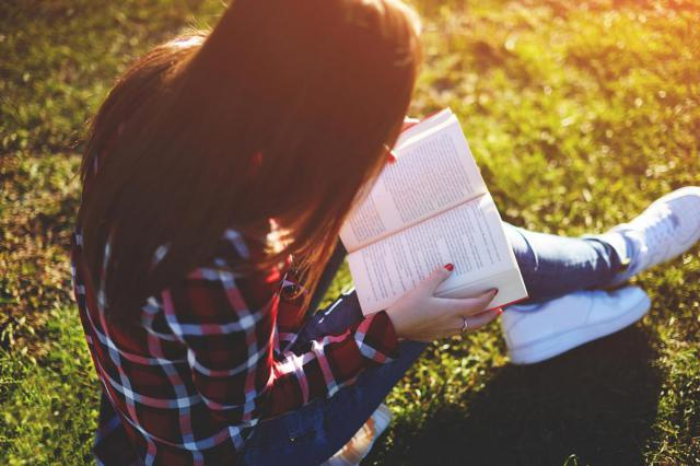 El Gobierno regional anima a los jóvenes a participar en los clubes de lectura virtuales