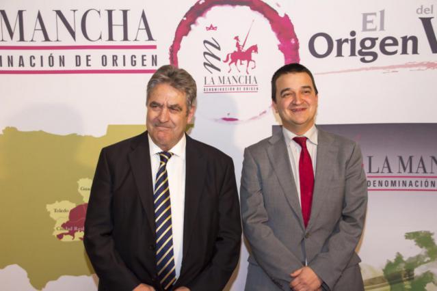 El Gobierno de Castilla-La Mancha presume de vino y queso manchego en la celebración del Día de la Hispanidad en la embajada en Bruselas