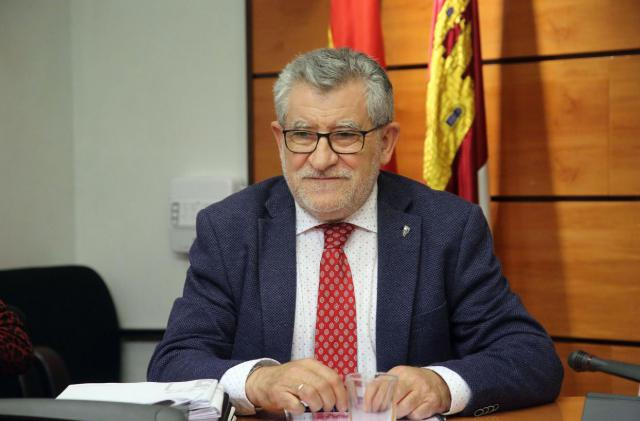 CLM dedicará 64 millones de euros de los presupuestos en Educación 'a personal'