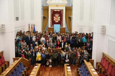 Niños de CLM piden en las Cortes luchar contra el cambio climático para seguir viviendo en