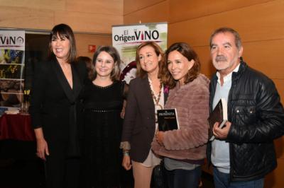 La directora del Instituto de la Mujer, Araceli Martínez, presenta el libro 'El Proxeneta' de Mabel Lozano.