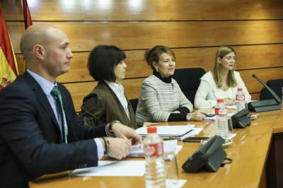 La consejera de Bienestar Social ha presentado en las Cortes de Castilla-La Mancha la Estrategia contra la Pobreza y Desigualdad Social