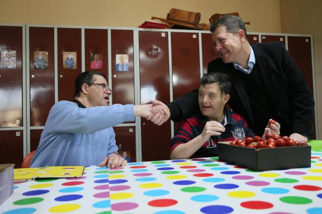 """García-Page refrenda su compromiso con la discapacidad con la Ley """"más moderna y garantista"""" a favor de los derechos de tutela en 2018"""