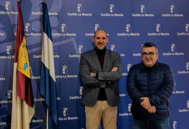 El delegado de la Junta en Talavera felicita al empresario Gómez Corral por su premio a la 'Iniciativa Comercial' de una cadena internacional de supermercados