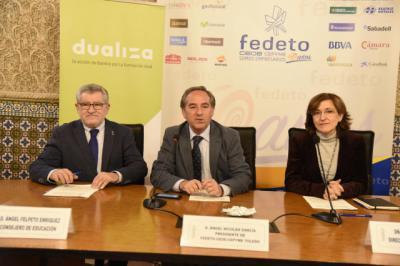 El consejero de Educación, Cultura y Deportes, Ángel Felpeto, firma un convenio de colaboración con la Fundación Bankia y FEDETO