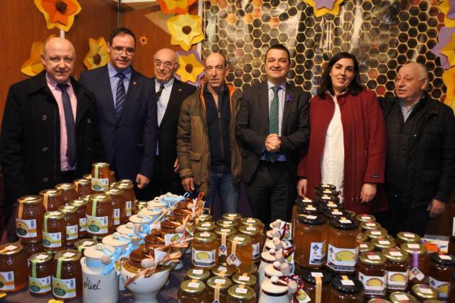 El Gobierno de Castilla-La Mancha apoya a los más de 2.000 apicultores de la región