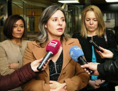 La Junta inicia una estrategia de prevención de la violencia de género hacia las mujeres mayores
