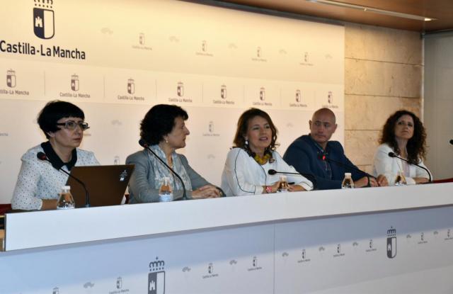 CLM tendrá listo en junio el Catálogo de Prestaciones Sociales que incluirá 34 prestaciones