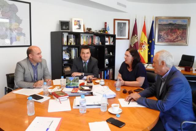 La Junta y la Federación de Municipios y Provincias se unen en la defensa del agua