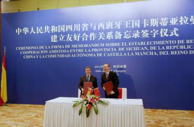 Page comienza su viaje a China poniendo en valor la cultura de CLM