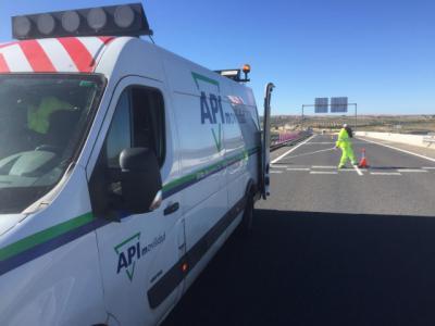 La Junta renueva la señalización horizontal de 450 kilómetros de carreteras de la provincia