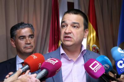 La Junta y la Delegación del Gobierno quieren garantizar los derechos de los asalariados del campo