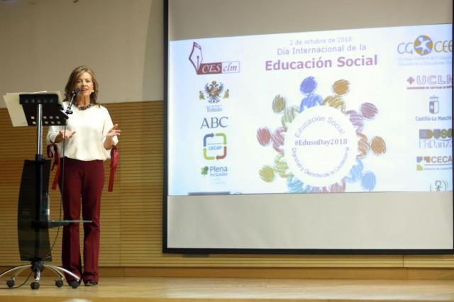 El Gobierno CLM incorpora esta legislatura a 102 profesionales de la Educación Social