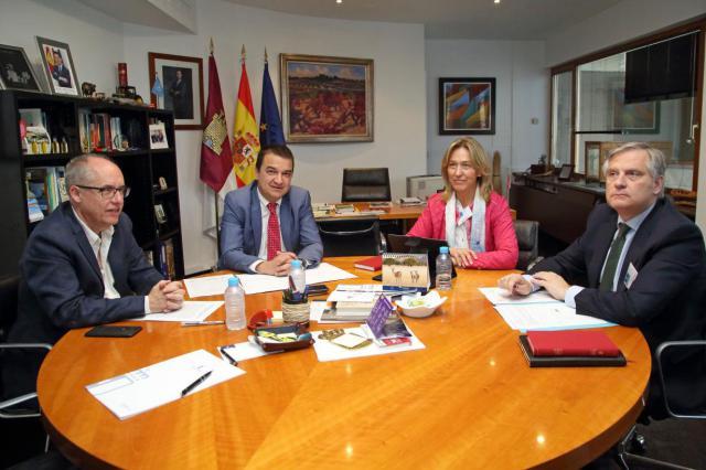 La Junta pide colaboración al PP para lograr una posición común en defensa del agua