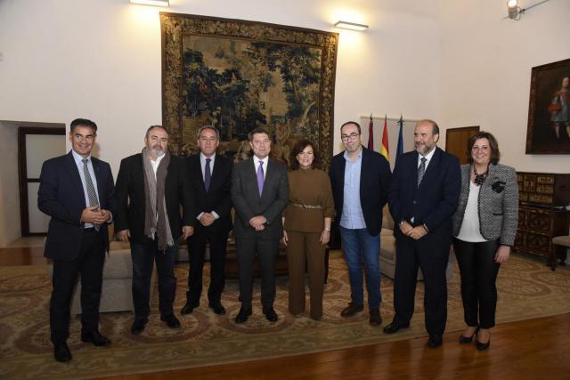 Page y Calvo acercan posturas en despoblación, infraestructuras y agua en Castilla-La Mancha