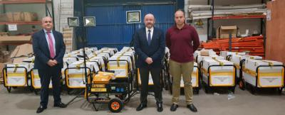 El Gobierno regional entrega equipos electrógenos a 35 agrupaciones de Protección Civil