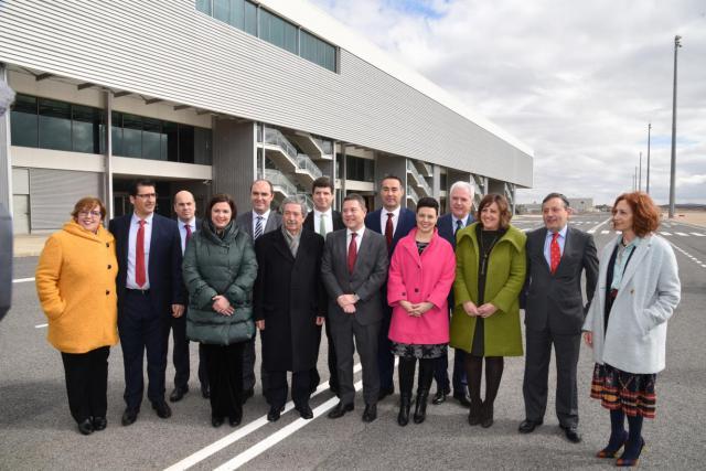 El aeropuerto de Ciudad Real firma un acuerdo para fabricar aviones