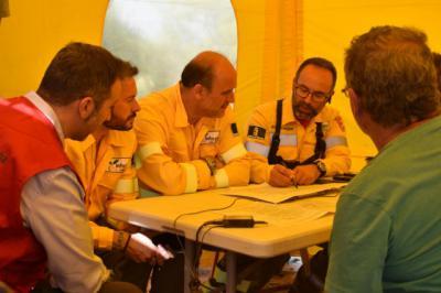 La Junta agradece el trabajo de los profesionales que colaboran en la extinción del fuego en Barchín del Hoyo