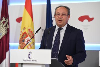 El consejero Ruiz Molina durante la rueda de prensa del Consejo de Gobierno