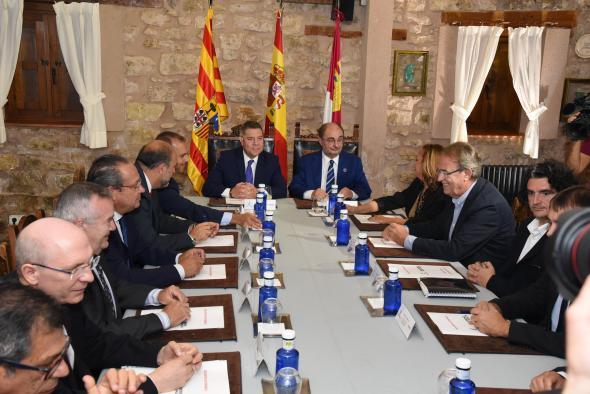 CLM y Aragón reclaman una nueva financiación autonómica que garantice los servicios públicos en zonas despobladas