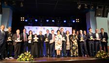 Foto de familia de los premiados en la XVI edición de los Premios COPE Ciudad Real 2019.