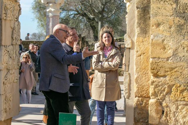Page muestra su apoyo a las casas regionales de CLM repartidas por España con el compromiso de visitarlas todas
