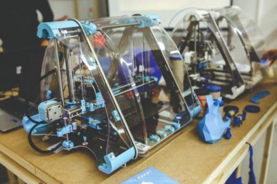 COVID-19 | Piden a los centros educativos que tengan impresoras 3-D que colaboren para elaborar material