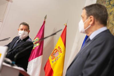 PANDEMIA | Page anuncia que se inmunizará a la comunidad educativa antes de lo previsto