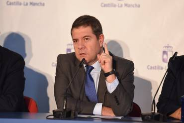 García-Page desmiente categóricamente la información de OK Diario sobre su