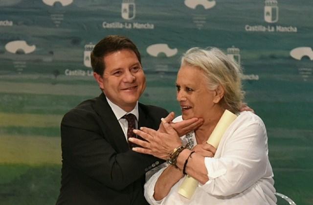 García-Page expresa su pésame por el fallecimiento de Terele Pávez, Hija Adoptiva de C-LM desde el 31 de mayo