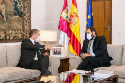 POLÍTICA | Page le ofrece a Núñez abrir cauces de diálogo en Presupuestos, Agua, Fondos Europeos e Infraestructuras