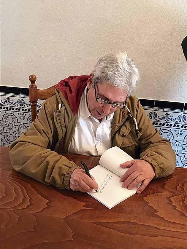 Todo Parrillas se volcó con José Sobrino en la presentación de su libro 'El Camino Real'
