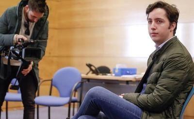El pequeño Nicolás condenado a tres años de cárcel por usurpación y cohecho