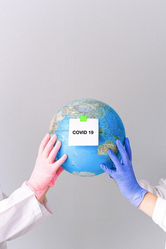 COVID-19 | Las mascarillas que inactivan el virus ya se pueden comprar en España