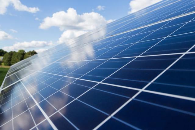 TRABAJO | Hasta 590 empleos: CLM autoriza la construcción de seis nuevas plantas fotovoltaicas