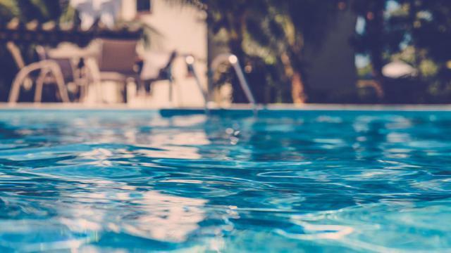 SUCESOS | Hallan muerta a una mujer en una piscina de un pueblo de Toledo