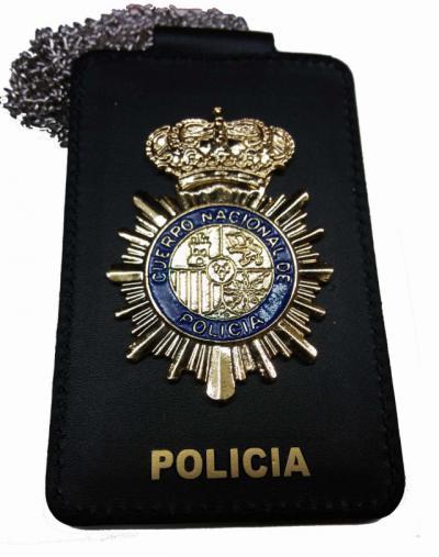 TOQUE DE QUEDA | Detenido un joven por hacerse pasar por policía para saltarse las normas