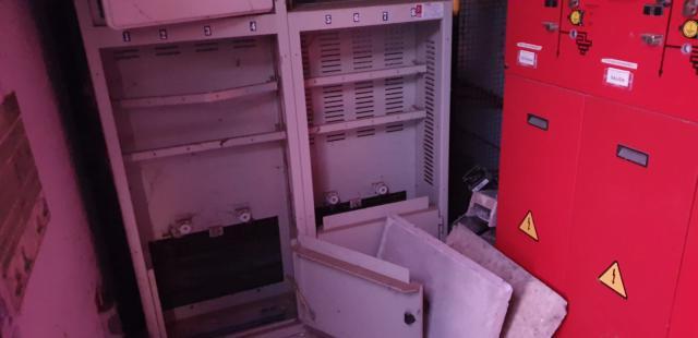 Detenidos 2 jóvenes con antecedentes cuando robaban en el polígono industrial de Cazalegas (fotos)