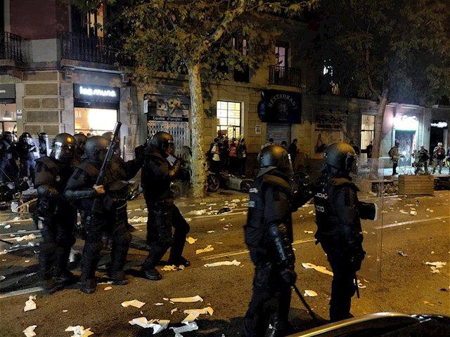 'Estamos aguantando mucho: insultos, agresiones, ácido, cohetes, piedras...'