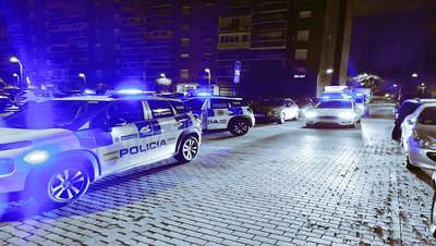 PILLADOS | Se saltan el cierre perimetral para hacer una fiesta ilegal