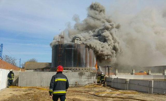 Sin heridos en el incendio en las instalaciones de un matadero en Toledo